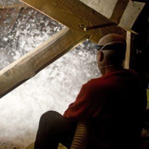 isolation des combles perdus par soufflage ouvrier en ardennes moselle marne nord